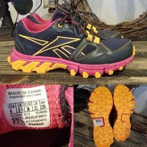 New Reebok Sz 6 All Terain Running Shoes